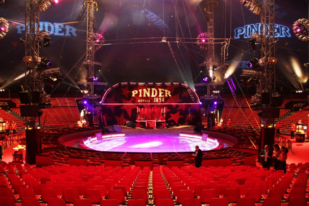 Cirque Pinder chapiteau