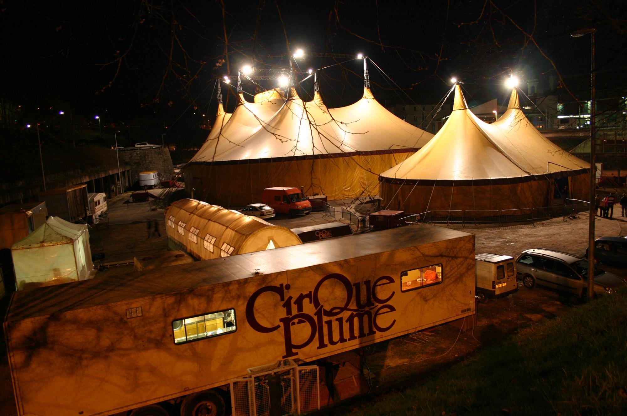 cirque plume chapiteau