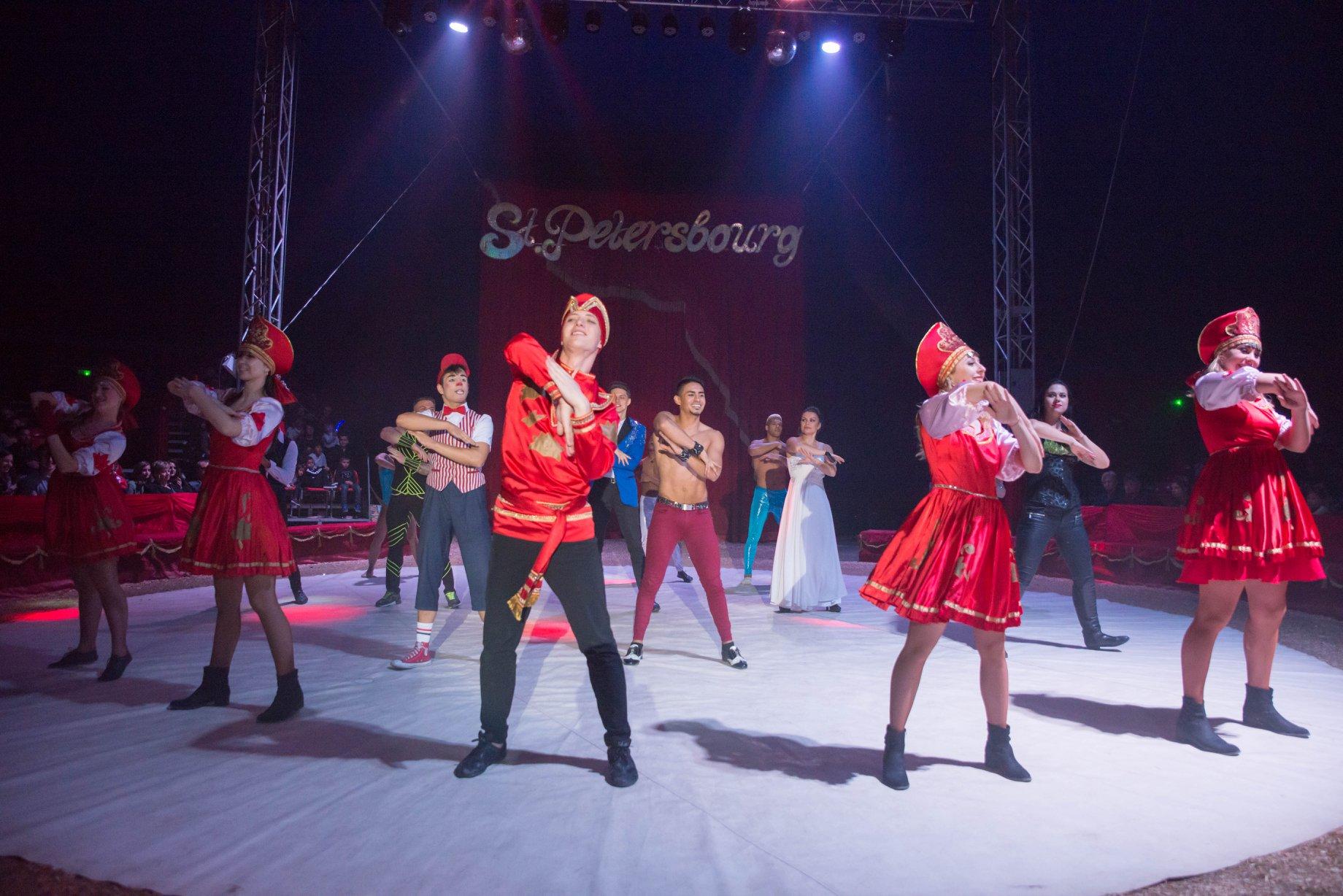 Le grand cirque de St Petersbourg featured