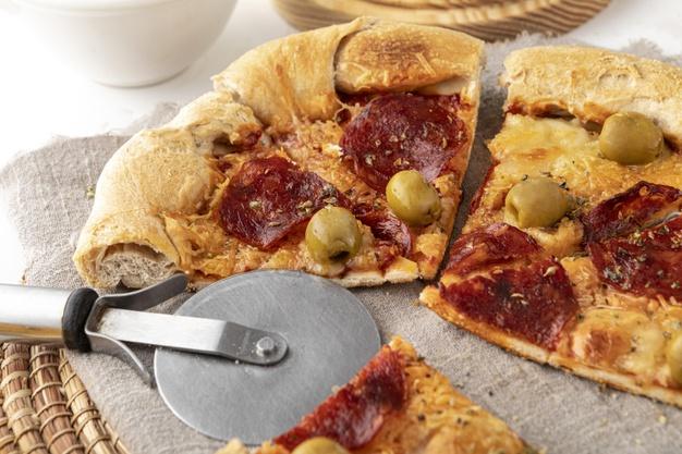 Pizza cutter pic